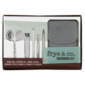 Frye Brand 6 Piece Set Grooming Kit